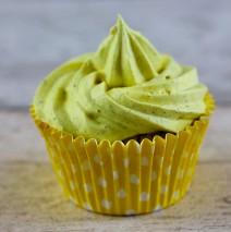 Cupcakes al limone con cuore di crema alle nocciole